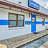 Snapbox Leon Circle facility street sign